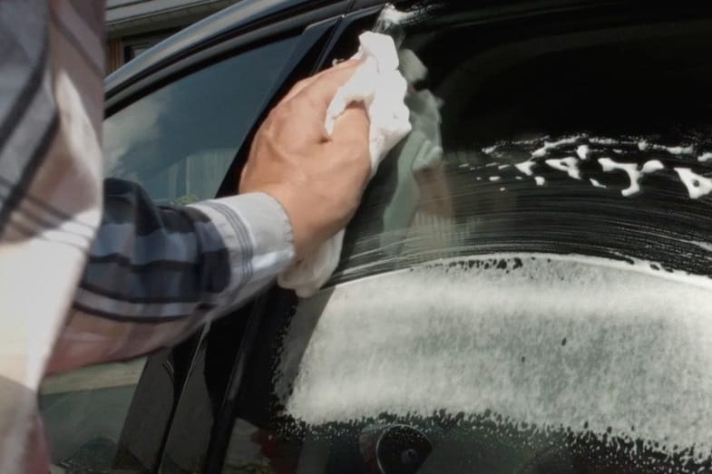 best cleaning method for car windows