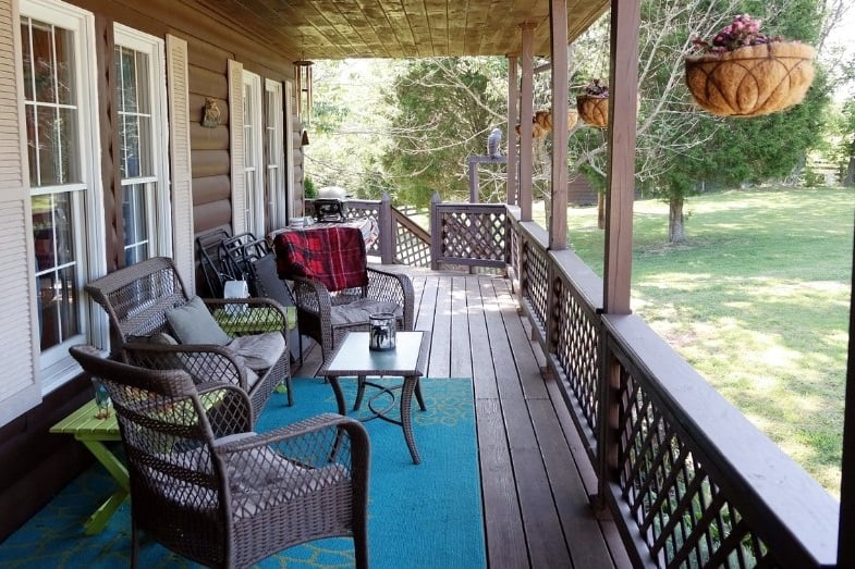difference between porch and patio