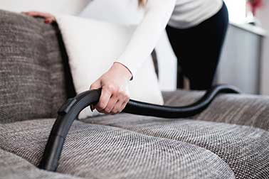 Read more about the article How to Clean a Couch? Cloth, Microfiber – 6 Steps