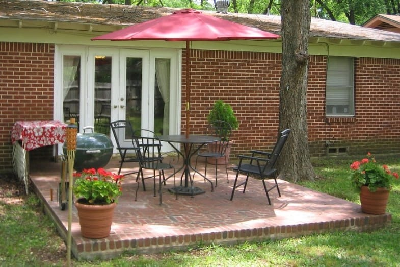 difference between patio and porch