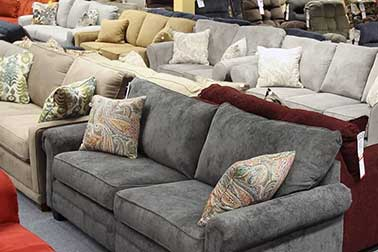 Read more about the article Sofa Vs Couch – What is the Difference Between Them?