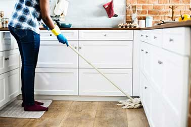 Best Way to Clean Hardwood Floors? 4 Easy Steps