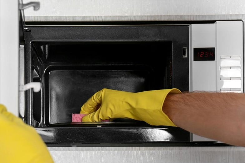 best way to clean a dirty microwave