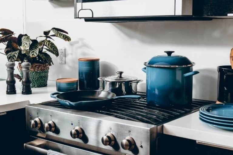Read more about the article How Much Does a Stove Weigh? [Average Weight]