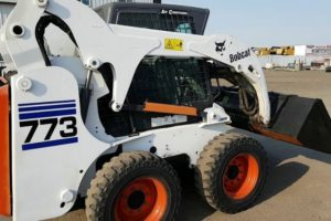Read more about the article Bobcat 773 Specs and Review