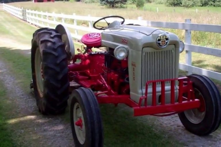 Ford 800 Tractor Specs and Review