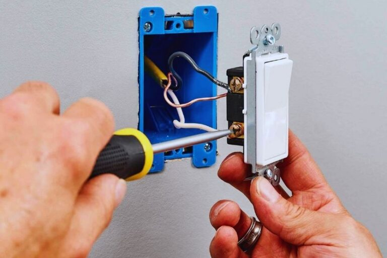 Read more about the article How to Wire Two Switches To One Light